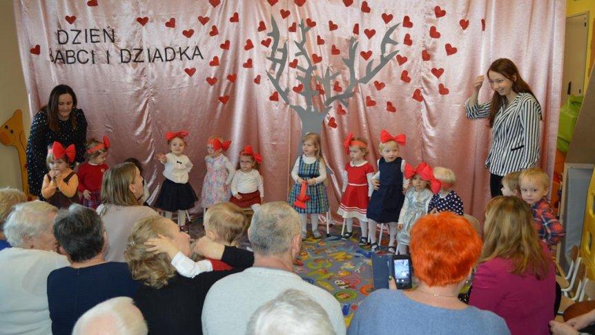 Dzień dziadka i babci w Klubie Malucha