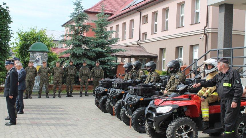 Uroczyste rozpoczęcie służby żołnierzy WOT w gminie Odrzywół
